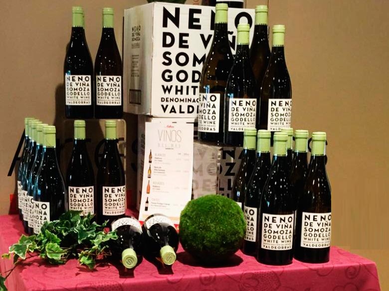 expositor de venta para elegir un vino