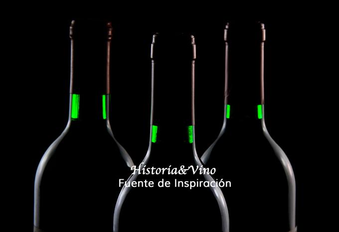 Botellas con citas sobre el vino