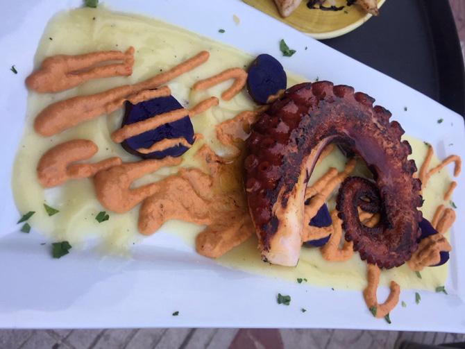 plato de pulpo de la cocina gallega